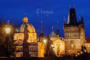 2ofus-weddings-Prague-engagement-portrait-colekor-001