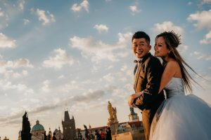 2ofus-weddings-Prague-engagement-portrait-colekor-004