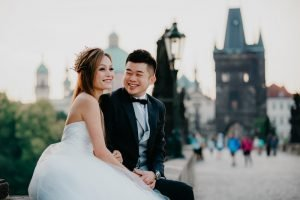 2ofus-weddings-Prague-engagement-portrait-colekor-008