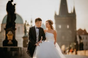 2ofus-weddings-Prague-engagement-portrait-colekor-016