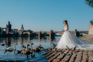 2ofus-weddings-Prague-engagement-portrait-colekor-024